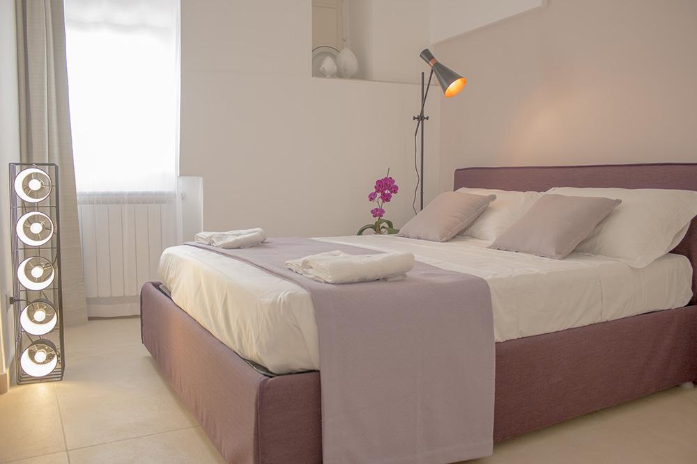 Pareti rosa cipria cheap divano grigio chiaro abbinamenti - Divano grigio abbinamenti ...